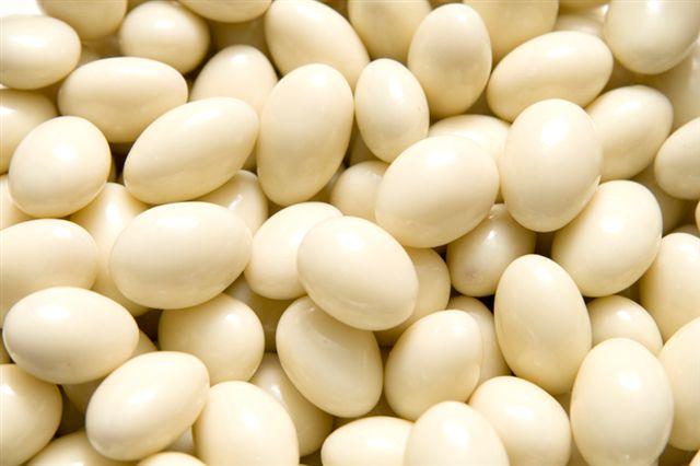 Mandle v bílé čokoládě